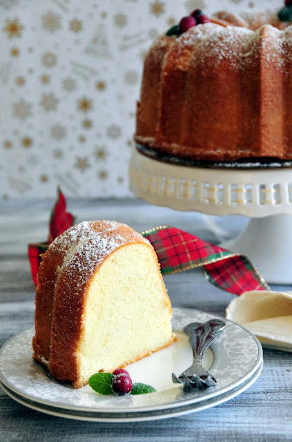Check out how to make this Classic Bundt Cake with step-by-step video tutorial.  It's gorgeous enough for your Holiday celebration, yet simple enough for everyday enjoyment.  http://uTry.it