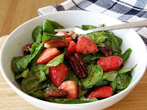 Baby Spinach Salad with Strawberries, Maple Candied Pecans and Balsamic Dressing