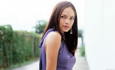 Kristin Kreuk Wide Screen Wallpaper