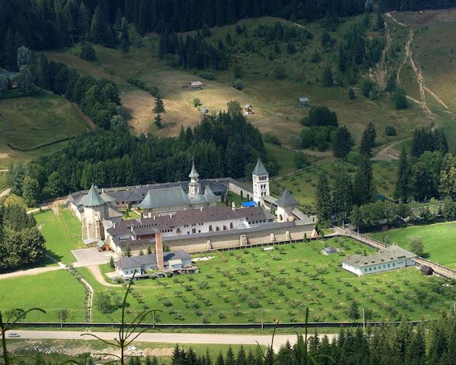 Putna Monastery Church - Romani