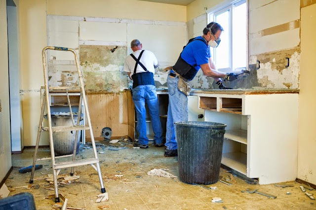 What is the insurance company's role in home repairs?