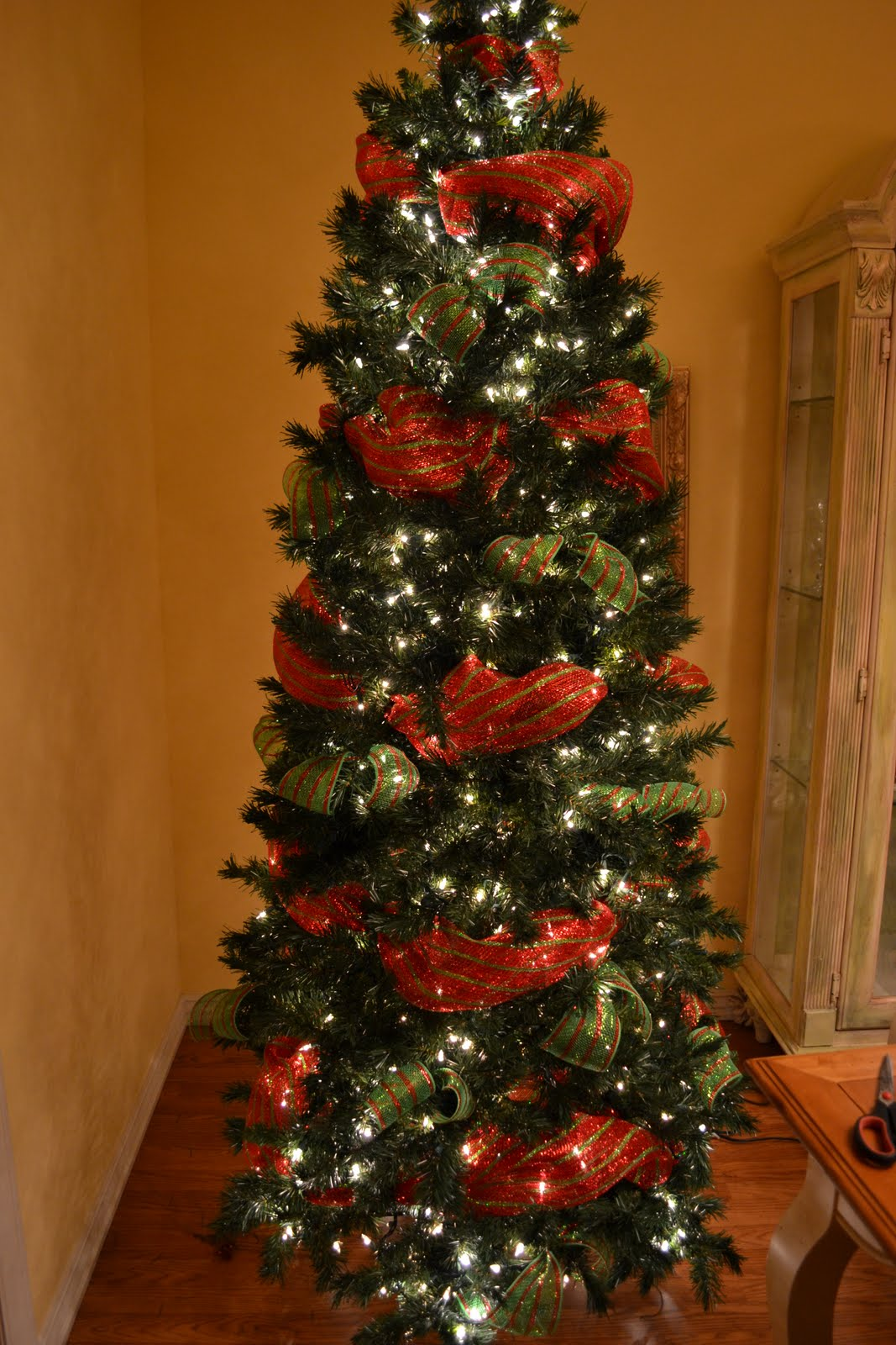 kristens creations decorating a christmas tree with mesh ribbon tutorial