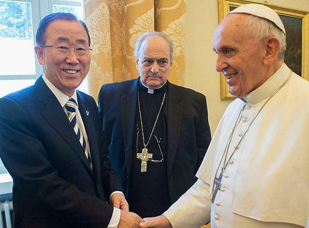Ban Ki-moon, secretário-geral da ONU, foi pedir o auxílio do Papa para a claudicante revolução ambientalista.