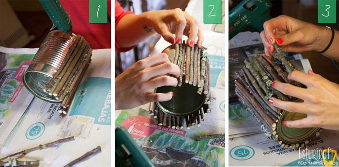 Para el jarrón de palitos, lo mejor es seleccionar los más rectos ya que si no quedarán muchos huecos y se verá la lata. Coge los palitos uno a uno y vete pegándolos en la lata con dos o tres gotas de silicona, presiona bien y sigue así hasta cubrir toda la lata.