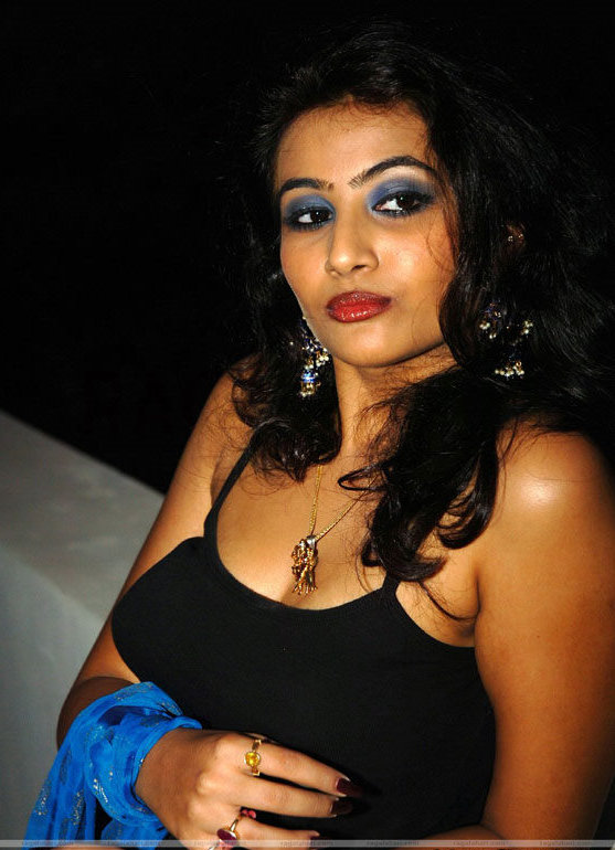 Actress Aarti Hot Stills unseen pics