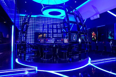 3 Cyber cafe yang super canggih ,terasa dalam Tron Legacy