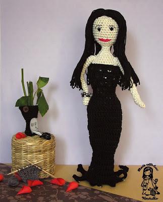 crochet morticia, crochet addams family, halloween crochet, magic with hook and needles, vendula maderska design, crochet doll