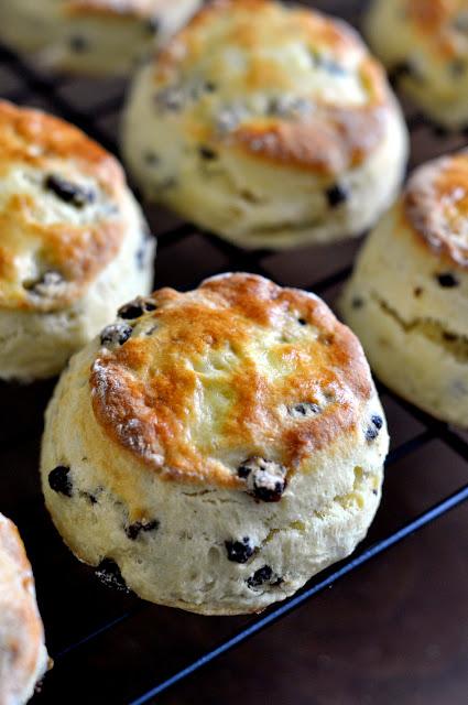 British-Style-Currant-Scones-tasteasyougo.com