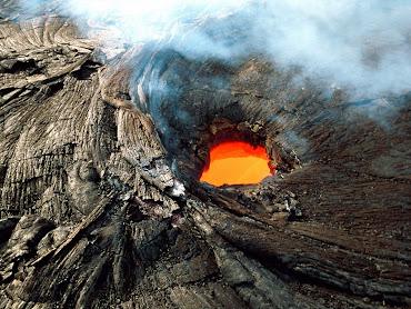 #18 Volcano Wallpaper