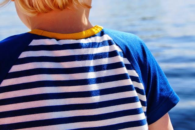 Safari raglan pattern by Titchy Threads, sewn by Huisje Boompje Boefjes