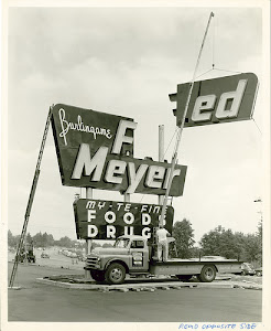 Fred Meyer opens 1950