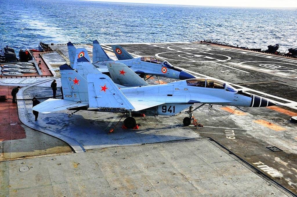 Fuerzas Armadas de la Federación Rusa - Página 9 Navy%2BMiG-29K%2B1