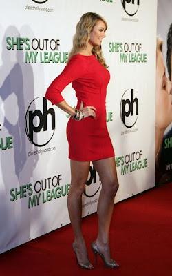 stacy keibler sexy en vestido rojo
