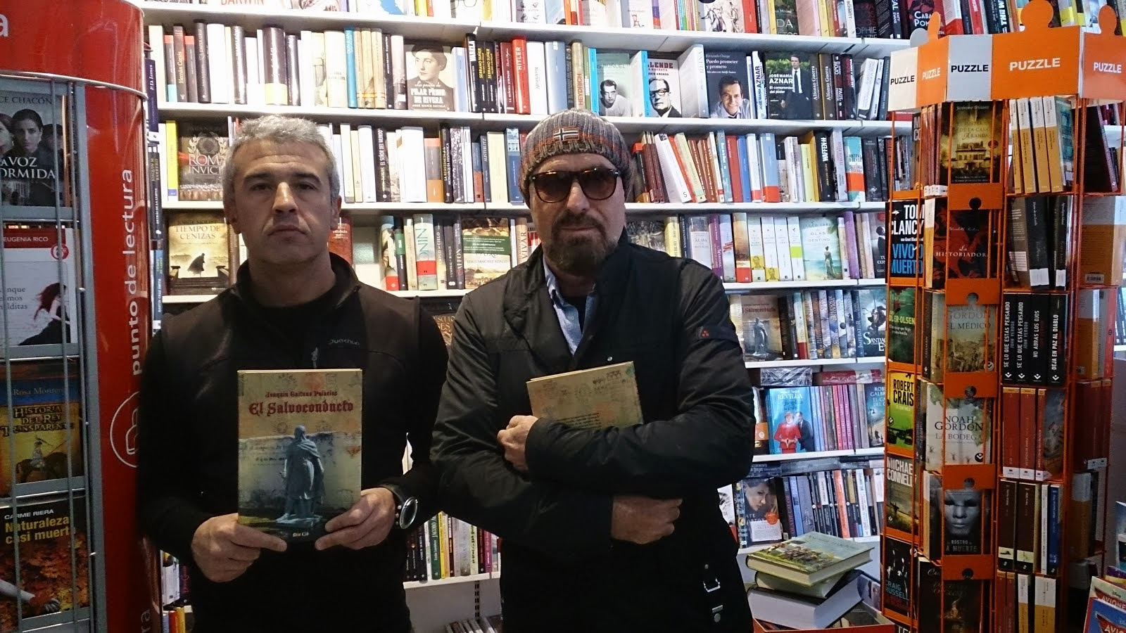 Con Aitor. Librería Teorema, San Joan, Alicante.