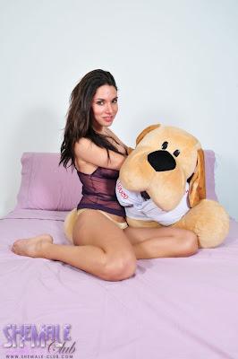 Kelly Ohana - Shemale Pornstar Model at aShemaleTubecom