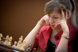 Echecs : la joueuse russe Olga Girya a perdu ronde 9 face à Hou Yifan - Photo Nikolay Bochkarev