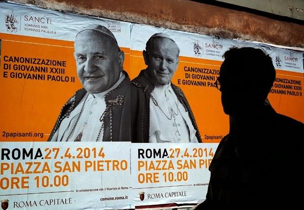 Papas João XXIII e João Paulo II foram hoje canonizados pelo Papa Francisco!