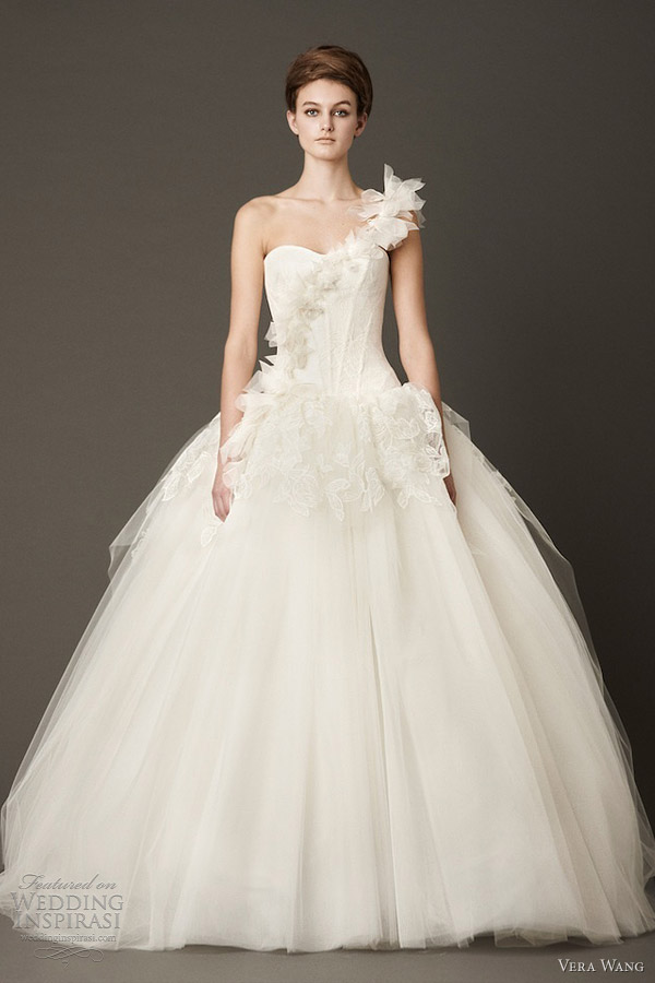 Download Vera Wang Fall 2013 wedding dresses