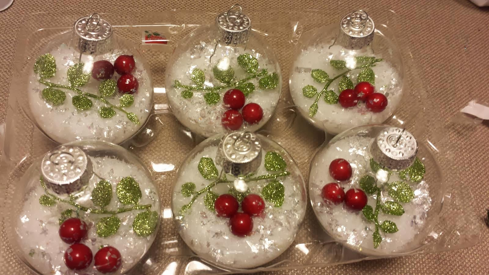 Nayeli s crafts the creative spot mistletoe ornaments