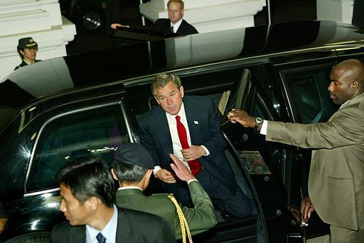 President George W Bush & Secret Service