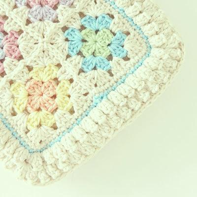 ByHaafner, granny square, crochet, bobble popcorn stitch, potholder, pastel