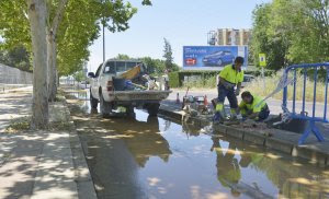 Aqualia-Badajoz-la Granadilla-fuga-agua-avería-chapuza-fibrocemento-amianto