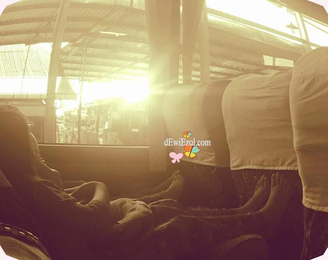 anak anak naik bus ke Toraja, pengalaman naik bus ke toraja
