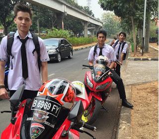 Cerita Unik di Balik Merk Motor yang di Pakai Boy di Sinetron Anak Jalanan