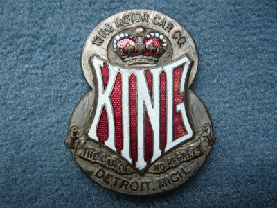 KING MOTOR CAR DETROIT radiator emblem badge