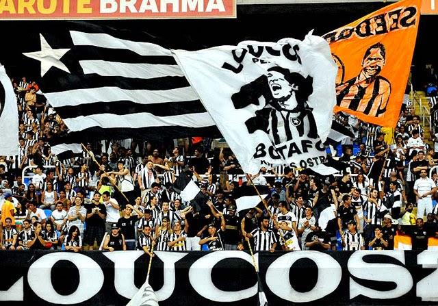 Pacote para jogo de futebol no Rio - Torcida do Botafogo na arquibancada