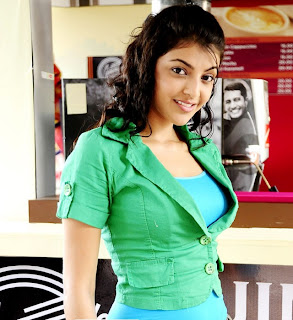 actress kajal agarwal in coffee day.jpg