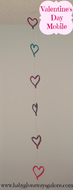 Valentine's Day Pipecleaner Mobile #Craft