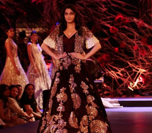 Aishwarya Rai in Maroon Lehenga Skirt at Manish Malhotra Show at AIFW 2015