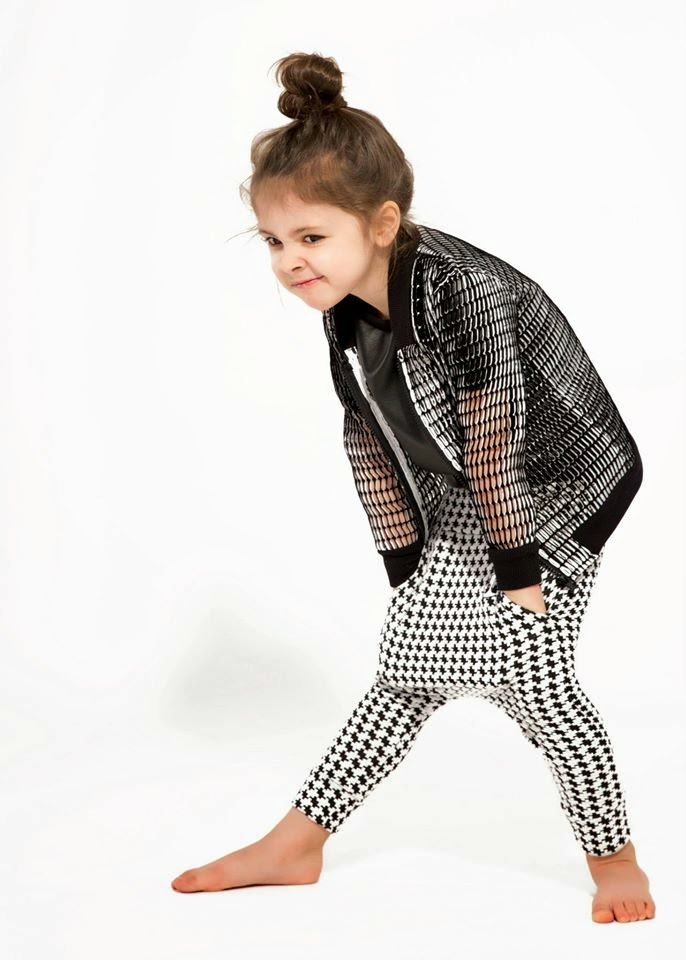 Czesiociuch - The Black & White Collection SS15 kids fashion