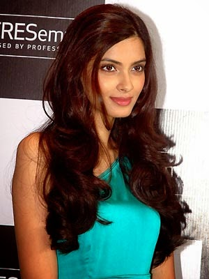 Diana Penty poses Photos