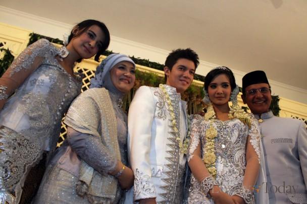 keluarga Besar Zaskia Sungkar