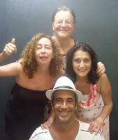 O compositor Cássio Tucunduva (de óculos) e os intérpretes Cely Trece (de preto), Naiana Peres e Paulinho Pereira