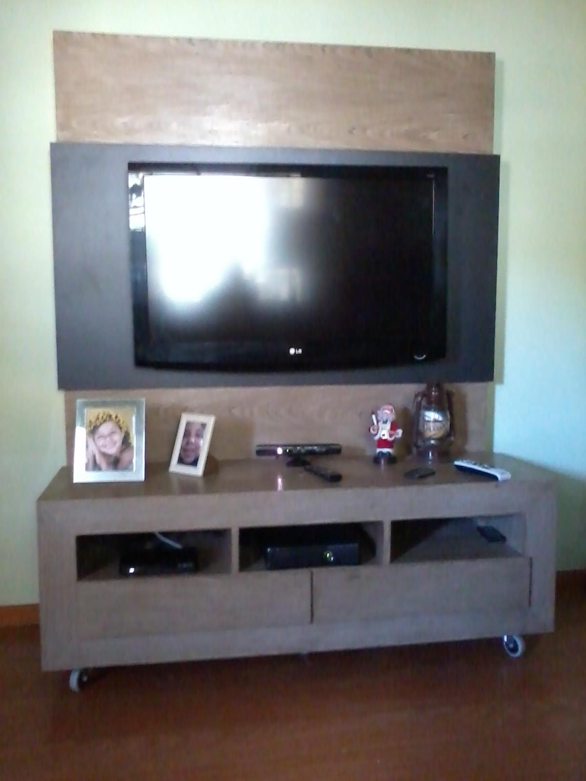 Pinheiros Marcenaria: Rack com painel para Televisão