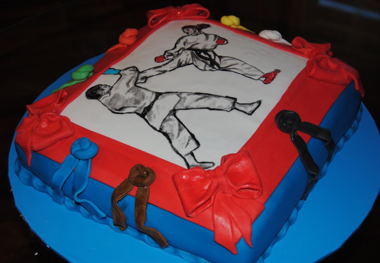 Tutti pazzi per le torte torta karate for Decorazione torte karate