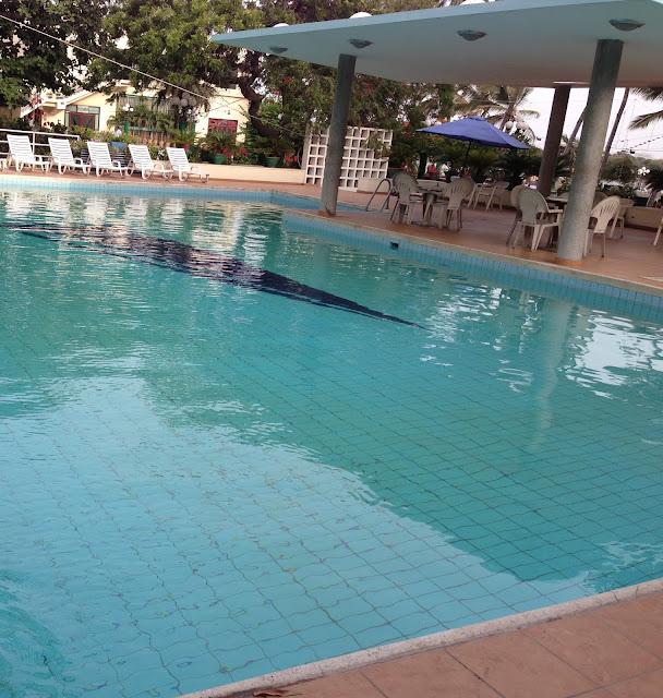 Karachi Eating Out Garden Terrace Restaurant Beach Luxury Hotel M T Khan Road Lalazar