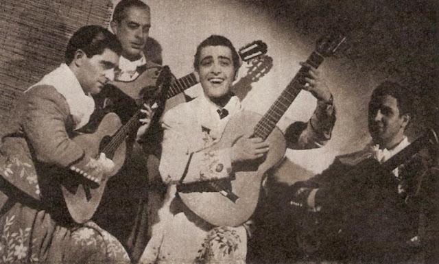 Hugo del Carril con guitarristas
