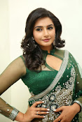 Ragini Dwivedi Glamorous photos in Green Saree-thumbnail-7