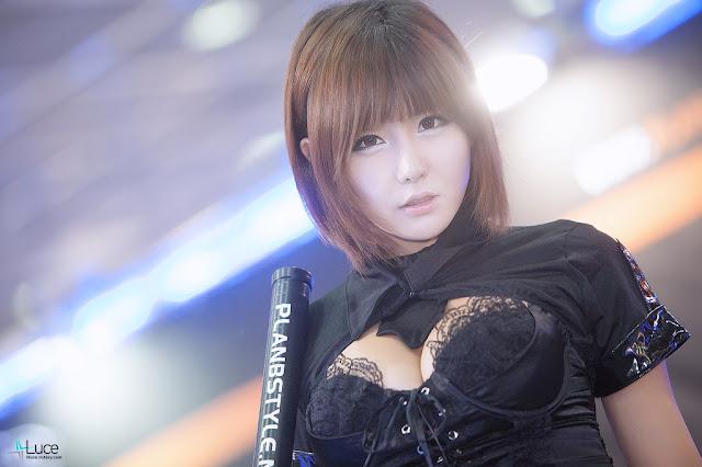 1 Ryu Ji Hye - Seoul Auto Salon 2012-Very cute asian girl - girlcute4u.blogspot.com