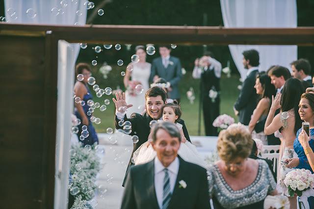 Fogos indoor, gerbs, sparkles, máquina de bolha de sabão, mesa do bolo, recepção, casamento, saída da reepção