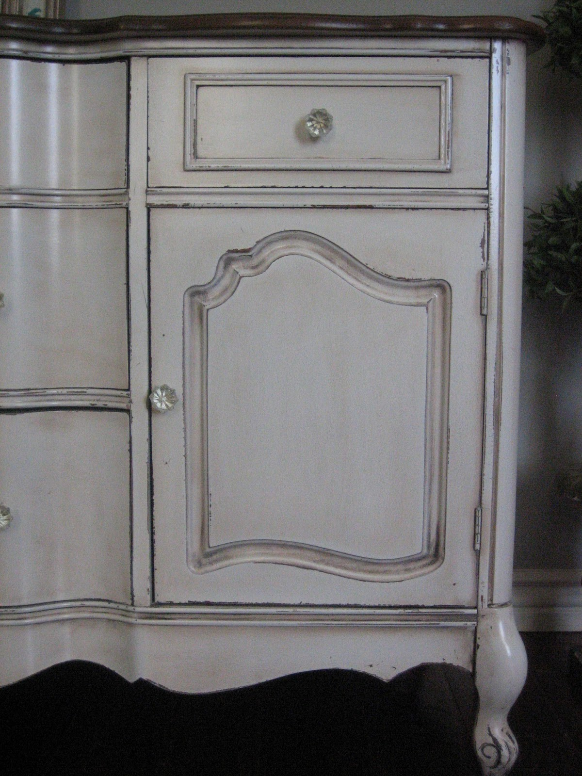 Awesome Paint Colors For Distressed Furniture Part   1: Awesome Paint Colors For Distressed Furniture Design Ideas