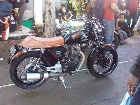 Foto Modifikasi Honda CB Cafe Racer Hitam