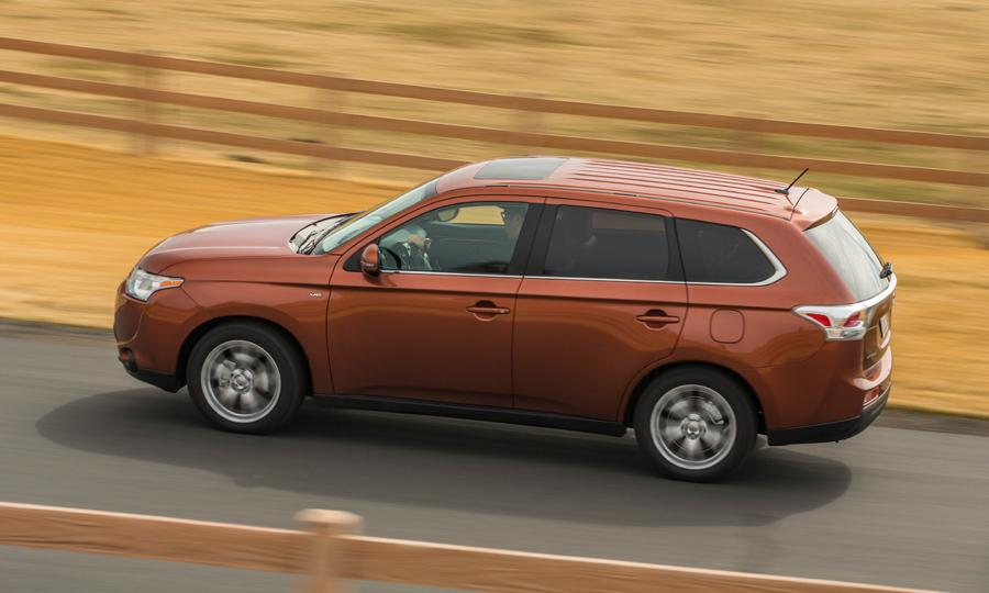 novo Mitsubishi Outlander 2014 lateral