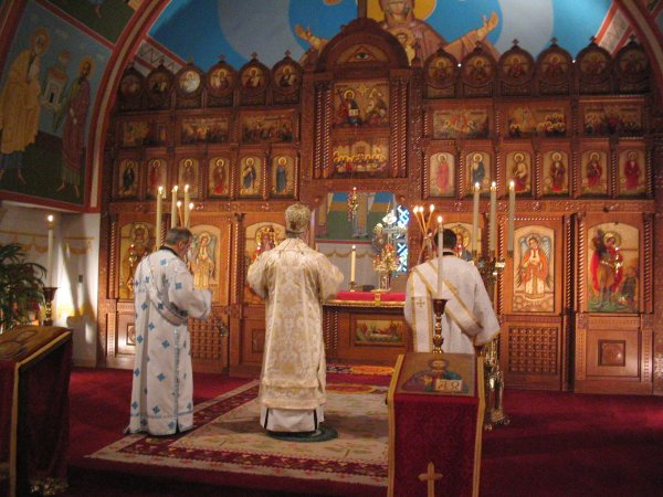 [Image: divine-liturgy.jpg]