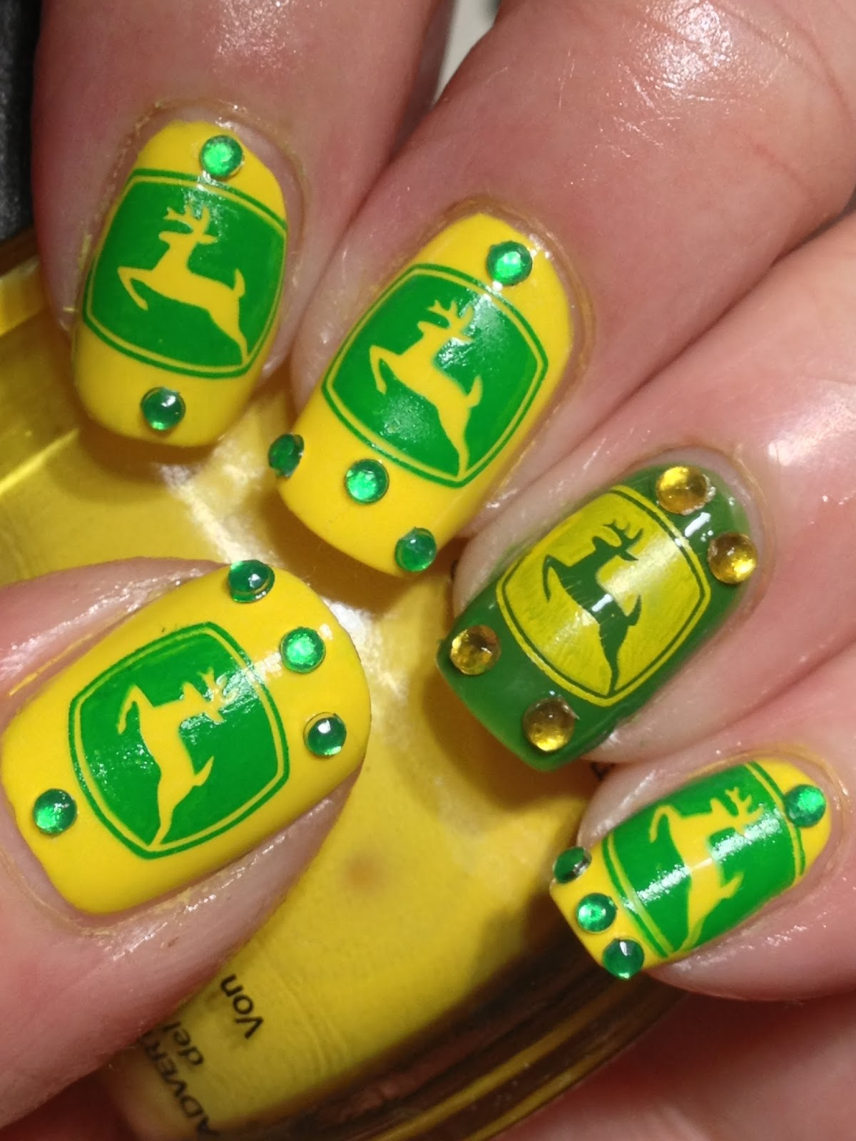 Canadian Nail Fanatic: Digit-al Dozen DOES It Again; Day 9, Bling