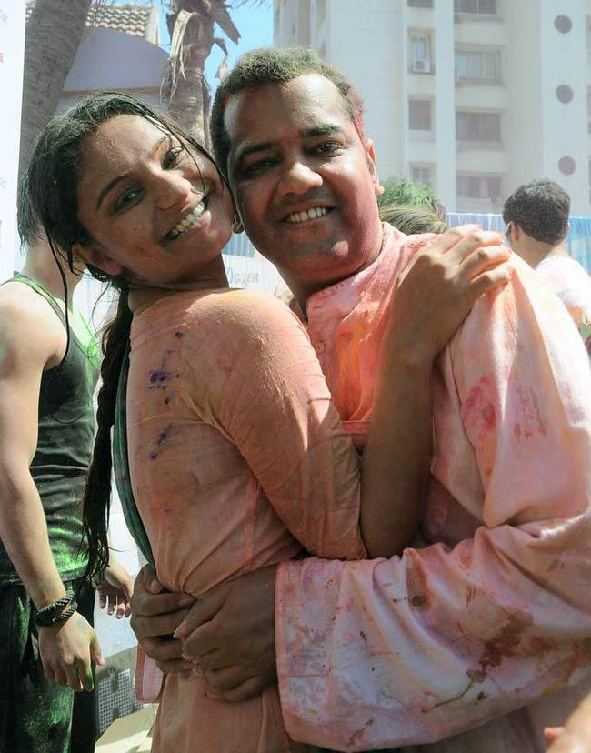 Celebrity Holi Celebration pictures - YouTube